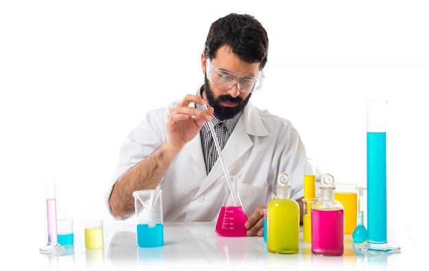 테스트 튜브와 과학자 남자