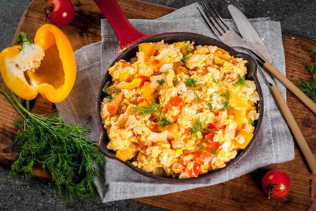 Scrambled eggs a la dominicana