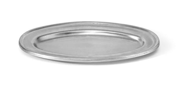 클리핑 패스와 함께 흰색 절연 긁힌된 둥근 금속 접시