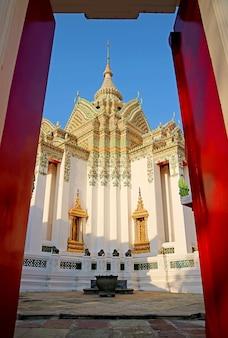 ワットポーまたはリクライニングブッダバンコクタイの寺院にあるプラモンドップと呼ばれる経典ホール