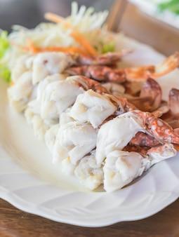 カニやスズキの海の食べ物