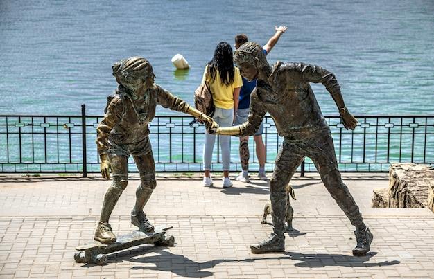 モルドバのヴァレアモリロール湖による彫刻