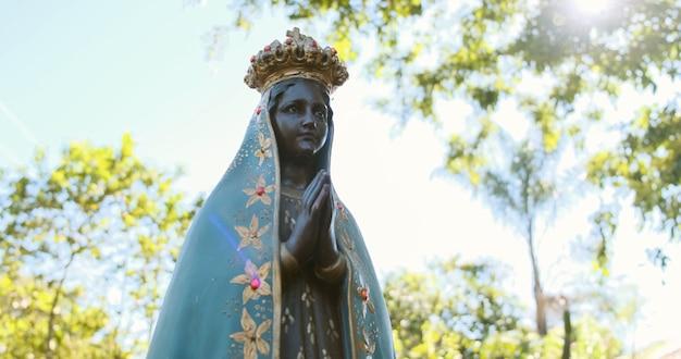 브라질의 후원자 노사 센호라 아파레시다의 이미지 조각