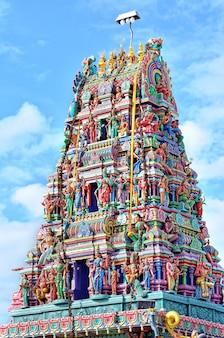 Sculptures on hindu temple Premium Photo