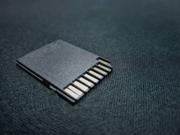 セレクティブフォーカスでメディアファイルを保存するためのクローズアップブラックsdカード