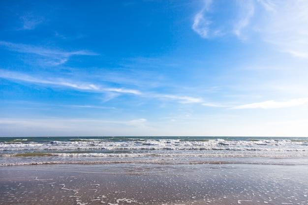 바다와 푸른 하늘