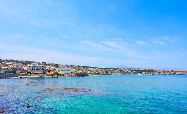 ギリシャ、クレタ島のレティムノ市と海岸