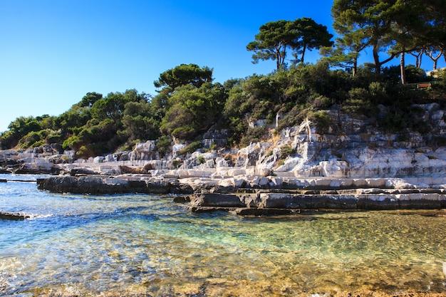 The sea in the sveti nikola island