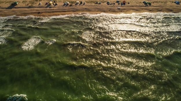 바다 파도 아름다운 해변 공중 뷰 드론 4k 슛