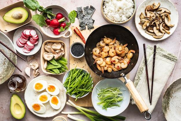 卵とエビの平干し写真付きシーフード料理