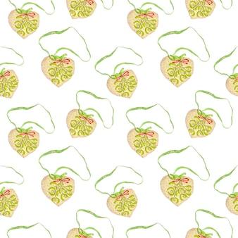 하트 모양으로 수를 놓은 부드러운 크리스마스 트리 장식의 매끄러운 크리스마스 패턴