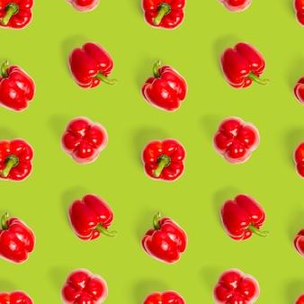Бесшовный узор из болгарского красного перца на зеленом фоне обои с принтом узор сверху плоский l ...