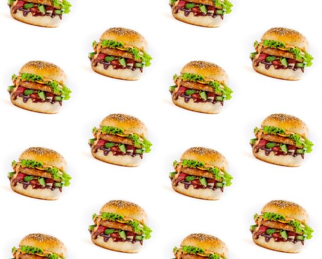 흰색 바탕에 맛 있는 햄버거의 완벽 한 패턴