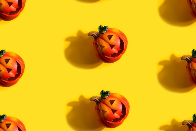 Seamless pattern with jack lanterns pumpkin, halloween concept