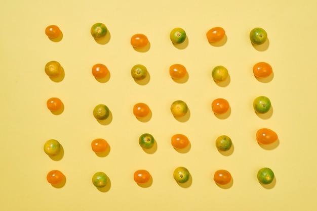 トマトとカラマンシーのシームレス パターン