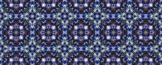 원활한 넥타이 염료 텍스처. 바이올렛 꽃 패턴.