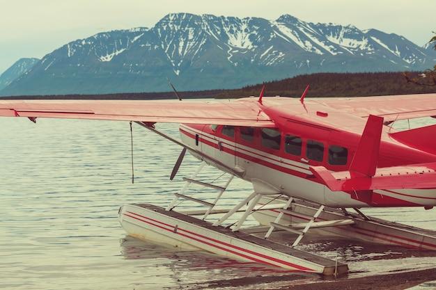 アラスカの水上飛行機。