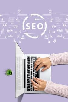 Концепция поисковой оптимизации с девушкой с ноутбуком