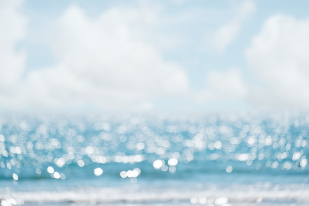 海の抽象的なビーチの背景。