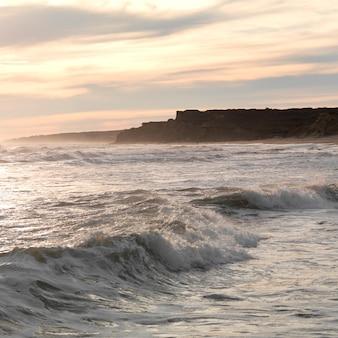 Морской пейзаж вдоль береговой линии в хэмптонс, нью-йорк