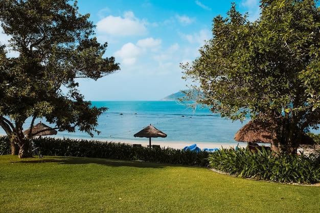 海の景色、海岸公園からの美しい海の景色。