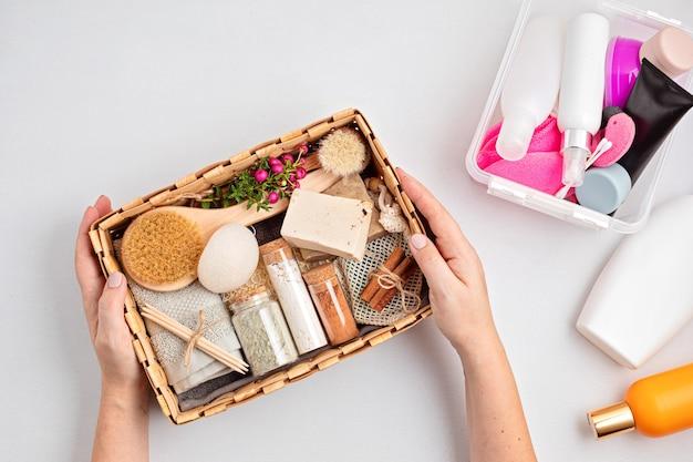 廃棄物ゼロの化粧品と工業用プラスチック製品の季節限定ギフトボックス