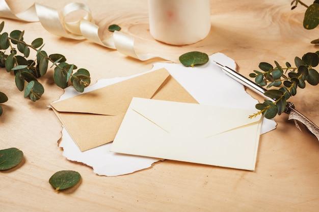 빈티지 펜으로 계절 편지
