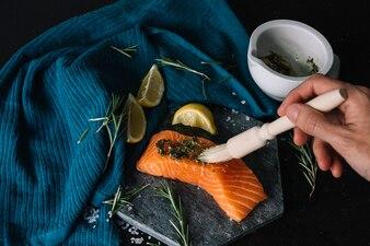 Seasoning salmon