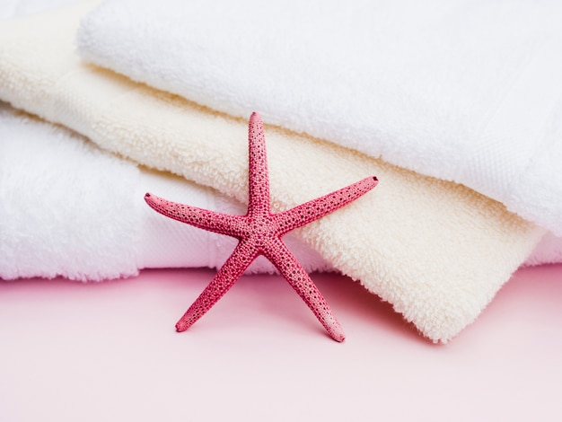 Закройте вид спереди seastar на полотенца