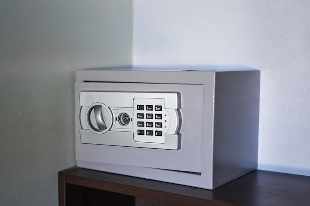 内部に空きスペースがあるセキュリティメタル金庫