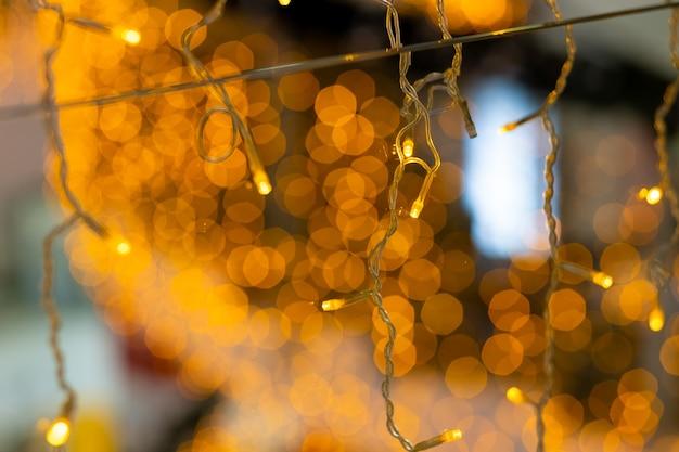 Ledクリスマスライトの選択的な焦点魔法の新年の照明