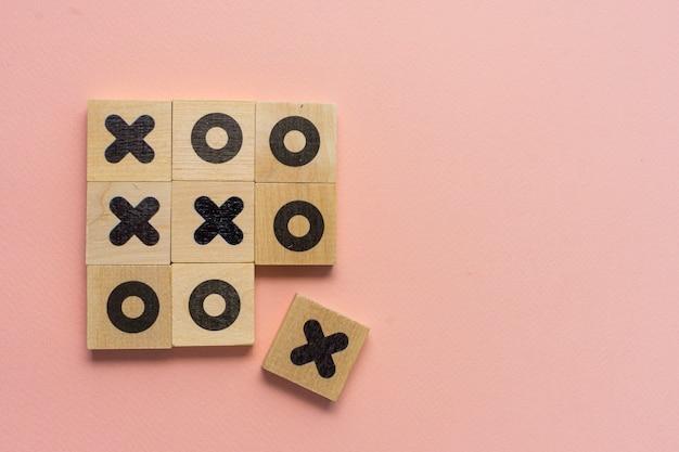 セレクティブフォーカス、木製のサイコロゲームtic-tac