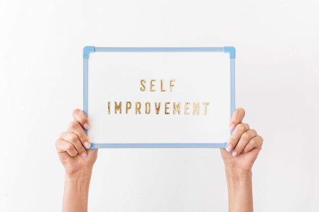 Primo piano del messaggio di miglioramento personale