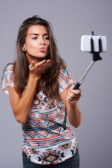 非常に便利なデバイスとしての自撮り棒