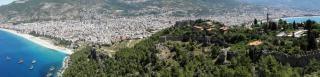 アンタルア、ターキー地中海沿岸にあるセルジュクの要塞
