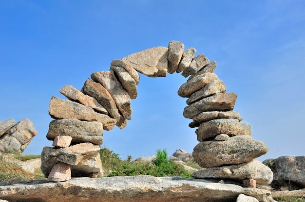 Semicircle with stones