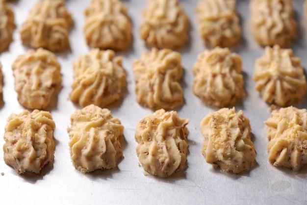 センプリットケーキクッキー。イードムバラクの伝統のためのイスラムのクッキービスケット