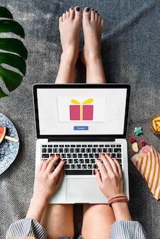 Send present gift box surprise concept