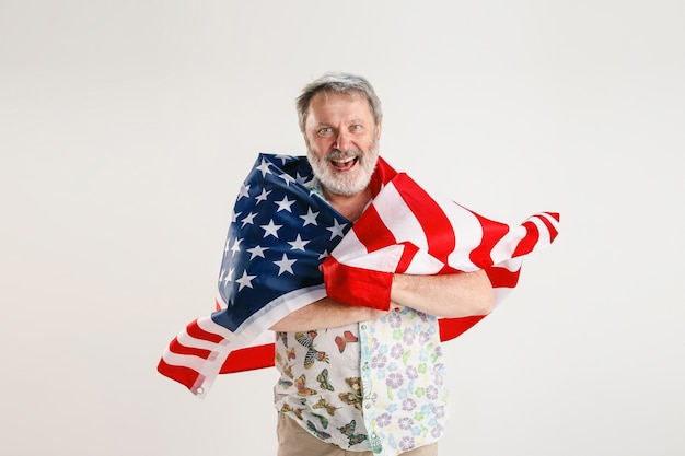 아메리카 합중국의 국기와 함께 수석 남자