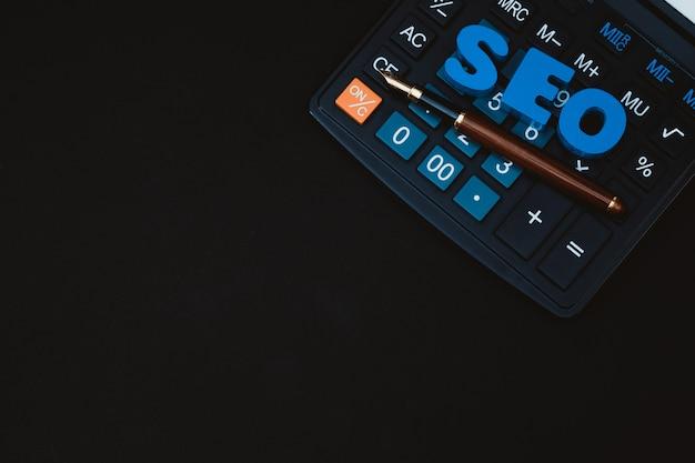 検索エンジン最適化の概念のためのseoのテキストのアルファベット