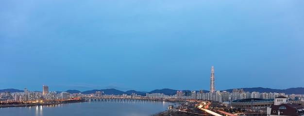 서울 도시 일몰과 한강 한국