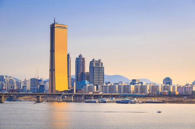 Seoul city and han river at yeouido
