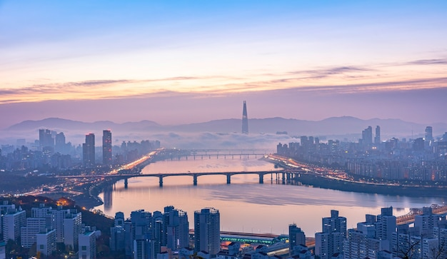 Восход солнца в сеуле и река хан южная корея