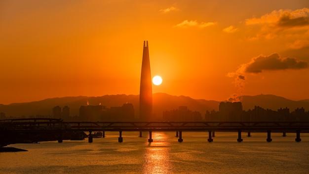 서울 일출과 한강 한국