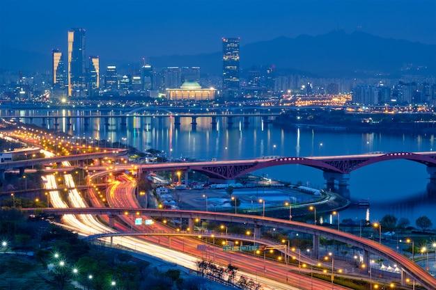Seoul cityscape in twilight, south korea.