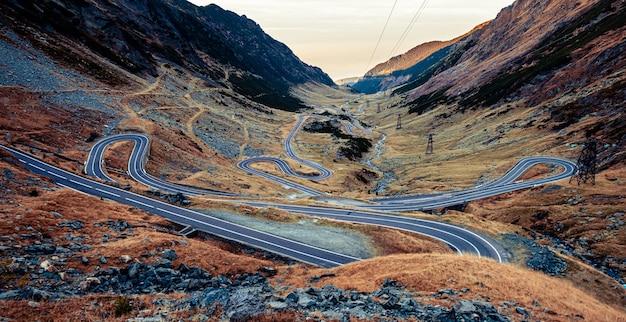 루마니아의 사문석 transfagarasan 도로