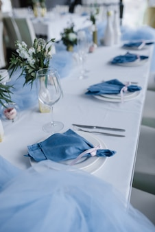 Served for wedding banquet table in blue white. wedding decoration.