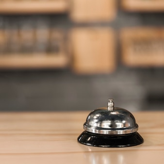Service bell in caf�
