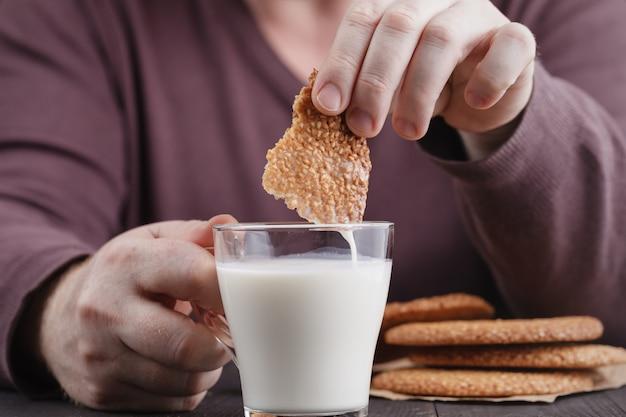 Печенье кунжутное, мужское печенье в молоке