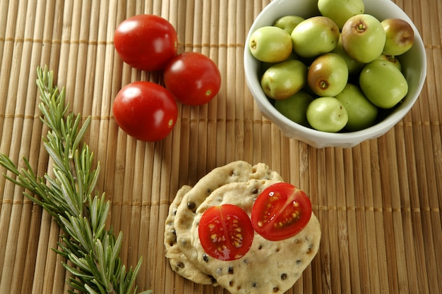 Sesame seeds biscuits with tomato